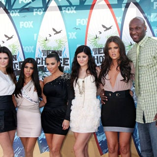 Kendall Jenner, Kourtney Kardashian, Kim Kardashian, Kylie Jenner, Khloe Kardashian, Lamar Odom in The 12th Annual Teen Choice Awards 2010