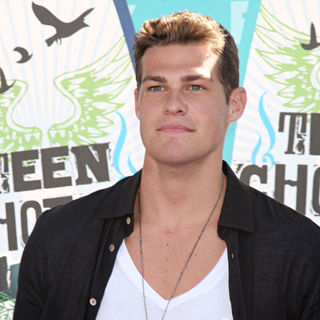 Greg Finley in The 12th Annual Teen Choice Awards 2010