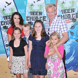 Gordon Ramsay, Tana Ramsay, Hlolly, Jack, Megan, Matilda in The 12th Annual Teen Choice Awards 2010