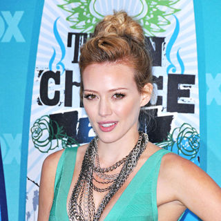 Hilary Duff in The 12th Annual Teen Choice Awards 2010