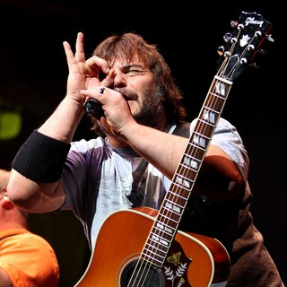 Jack Black in Tenacious D Perform Live at The House of Blues - tenacious-d-perform-live-at-the-house-of-blues-01