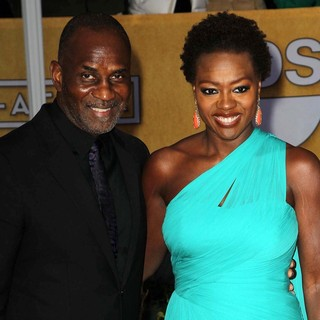 Viola Davis in 19th Annual Screen Actors Guild Awards - Arrivals - tennon-davis-19th-annual-screen-actors-guild-awards-01