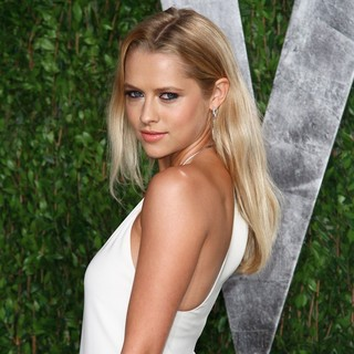 Teresa Palmer in 2012 Vanity Fair Oscar Party - Arrivals