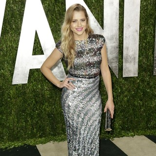 Teresa Palmer in 2013 Vanity Fair Oscar Party - Arrivals - teresa-palmer-2013-vanity-fair-oscar-party-02
