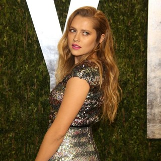 Teresa Palmer in 2013 Vanity Fair Oscar Party - Arrivals