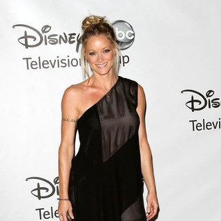 Teri Polo in 2011 Disney ABC Television Group Host Summer Press Tour