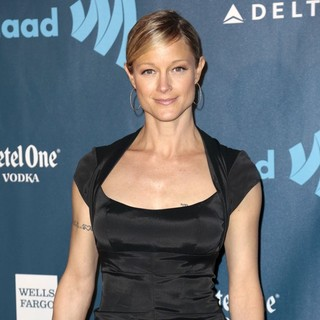 Teri Polo in 24th Annual GLAAD Media Awards - Arrivals - teri-polo-24th-annual-glaad-media-awards-02