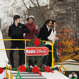 Justin Guarini in The 91st Annual 6abc IKEA Thanksgiving Day Parade