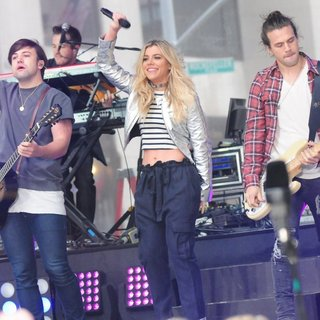 The Band Perry Performing Live on NBC's Today Show