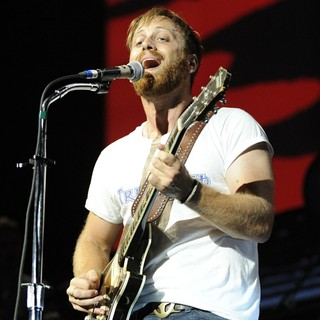 Dan Auerbach, The Black Keys in The Black Keys Perform at Molson Canadian Amphitheatre