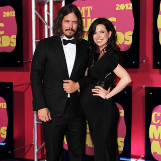The Civil Wars in 2012 CMT Music Awards - the-civil-wars-2012-cmt-music-awards-02