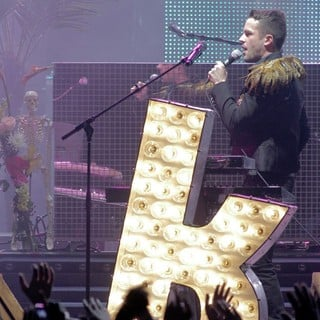 Brandon Flowers in The Killers Performing at The American Airlines Arena - the-killers-performing-03