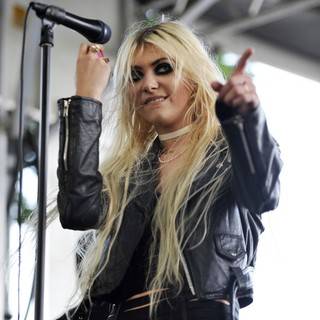 Taylor Momsen, The Pretty Reckless in Day Two at Lollapalooza