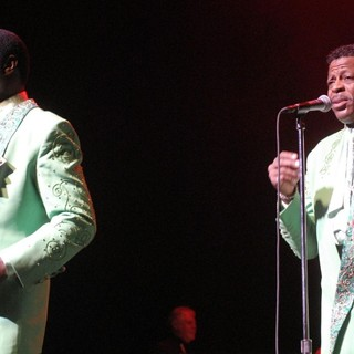 The Temptations Performing Live - the-temptations-performing-live-05