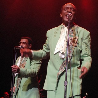 The Temptations Performing Live - the-temptations-performing-live-09
