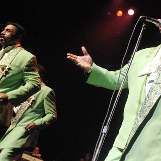 The Temptations Performing Live - the-temptations-performing-live-12
