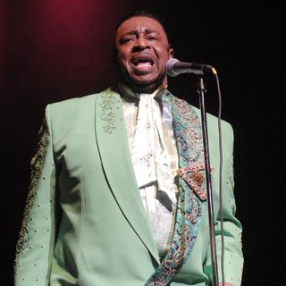 The Temptations in The Temptations Performing Live