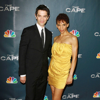 "James Frain, Marta Cunningham in Premiere Party for ""The Cape"""