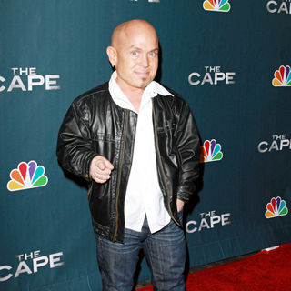 "Martin Klebba in Premiere Party for ""The Cape"""
