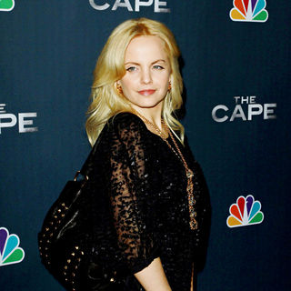 "Mena Suvari in Premiere Party for ""The Cape"""