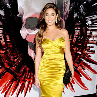 Giselle Itie in Los Angeles Premiere of 'The Expendables'