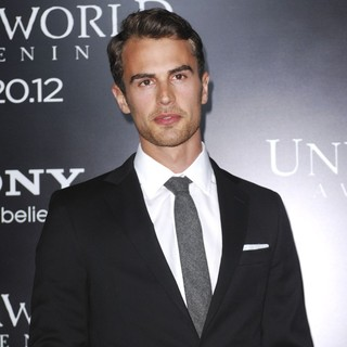 Theo James in Premiere of Screen Gems' Underworld: Awakening - Arrivals