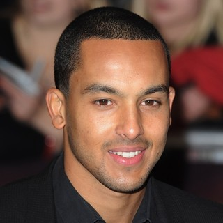 The Twilight Saga's Breaking Dawn Part I UK Film Premiere - Arrivals - theo-walcott-uk-premiere-breaking-dawn-1-02