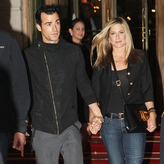 Justin Theroux, Jennifer Aniston in Jennifer Aniston and Justin Theroux Seen Leaving The Ritz's Hotel for A Dinner