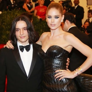 Olivier Theyskens, Doutzen Kroes in PUNK: Chaos to Couture Costume Institute Gala