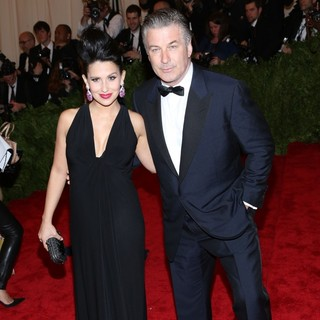 Hilaria Thomas, Alec Baldwin in PUNK: Chaos to Couture Costume Institute Gala