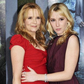 Lea Thompson, Madelyn Deutch in Beautiful Creatures Los Angeles Premiere