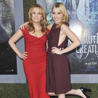 Lea Thompson in Beautiful Creatures Los Angeles Premiere - thompson-deutch-premiere-beautiful-creatures-05