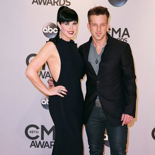 Thompson Square in 48th Annual CMA Awards - Red Carpet