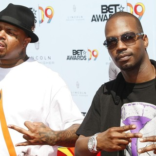 Juicy J in 2009 BET Awards - Arrivals - three-6-mafia-2009-bet-awards-01