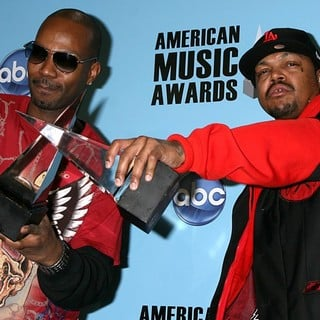 Juicy J in American Music Awards 2008 - Press Room - three-6-mafia-ama-2008-press-room-01
