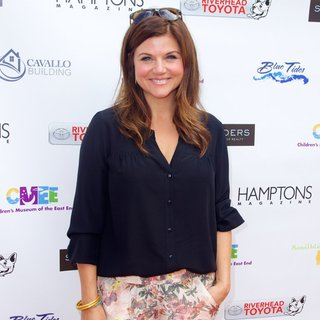 Tiffani-Amber Thiessen in 6th Annual Family Fair - Arrivals