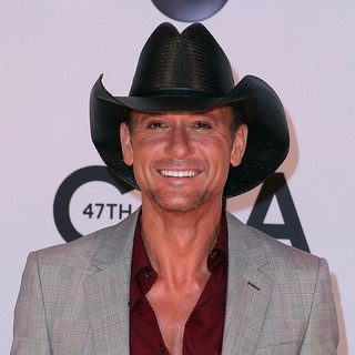 Tim McGraw in 47th Annual CMA Awards - Red Carpet