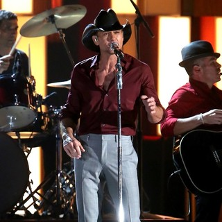 Tim McGraw in 47th Annual CMA Awards - Show