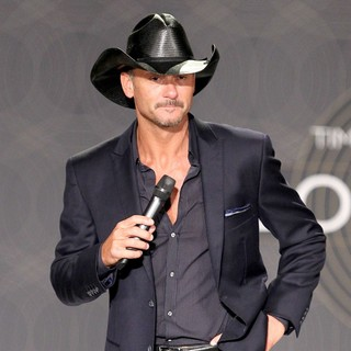 Tim McGraw in Tim McGraw and Faith Hill Hold A Town Hall Style Press Conference to Promote Their Soul2Soul Show