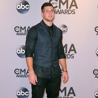 48th Annual CMA Awards - Red Carpet
