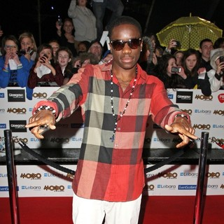 Tinchy Stryder in The MOBO Awards 2011 - Arrivals - tinchy-stryder-mobo-awards-2011-02