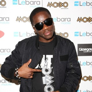 Tinchy Stryder in The MOBO Awards 2011 - Press Room - tinchy-stryder-mobo-awards-2011-press-room-01