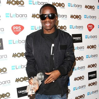 Tinchy Stryder in The MOBO Awards 2011 - Press Room - tinchy-stryder-mobo-awards-2011-press-room-04