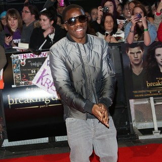 Tinchy Stryder in The Premiere of The Twilight Saga's Breaking Dawn Part II - Arrivals - tinchy-stryder-uk-premiere-breaking-dawn-2-02