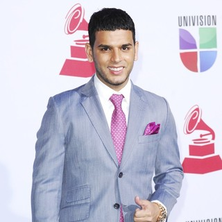 Tito El Bambino in The 12th Annual Latin GRAMMY Awards - Arrivals - tito-el-bambino-12th-annual-latin-grammy-awards-02