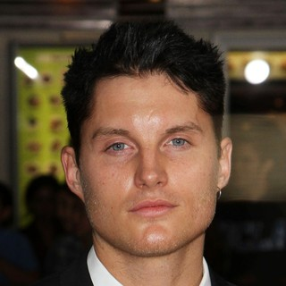 Toby Hemingway in The Premiere of In Time - Arrivals