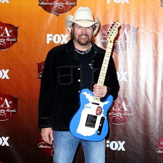 Toby Keith in 2011 American Country Awards - Press Room - toby-keith-2011-american-country-awards-press-room-02