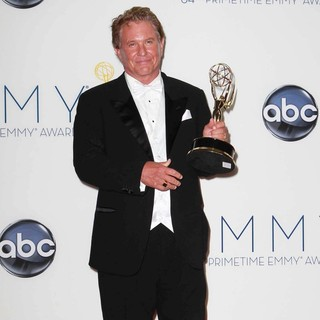 Tom Berenger in 64th Annual Primetime Emmy Awards - Press Room