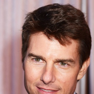 Tom Cruise in The Irish Premiere of Oblivion - Inside Arrivals