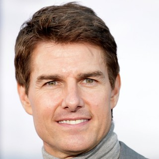 Tom Cruise in Los Angeles Premiere of Oblivion - tom-cruise-premiere-oblivion-01